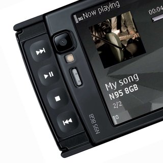 Nokia Comes With Music gets 3 launch