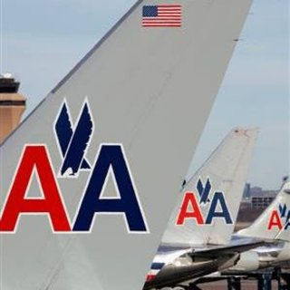 American Airlines trials mobile phones as boarding cards
