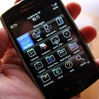 US BlackBerry Storm launch rushed