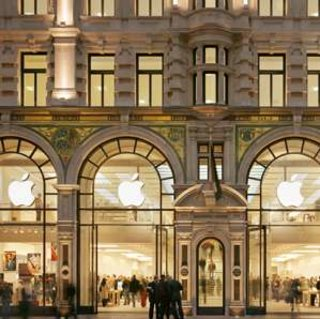 Stephen Fry to make Apple store appearance