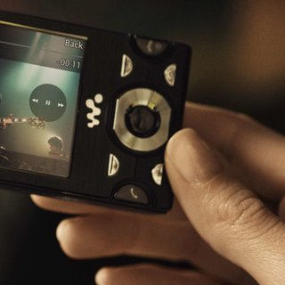 Orange does content deal with Sony Ericsson