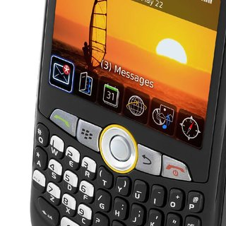 Orange extends free BlackBerry internet services offer
