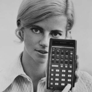 HP collects award for calculator from 1972