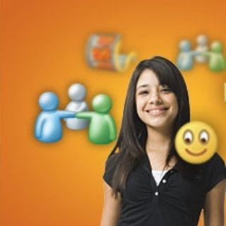 """Windows Live to become """"online hub"""""""