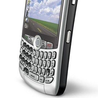 BlackBerry Curve beats iPhone in popularity stakes