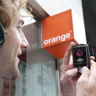 "Orange launches ""Monkey"" package with ""free music"""