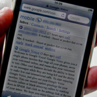 FCC steps in over Google Voice iPhone App row
