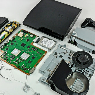 PS3 Slim gets torn apart, insides displayed