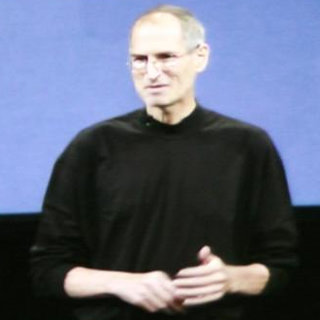 Steve Jobs explains lack of camera in iPod touch, questions Kindle success