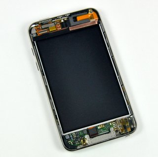 iPod touch tear-down reveals space for camera