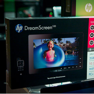 HP Dreamscreen digital photo frames bring Facebook photos to your living room