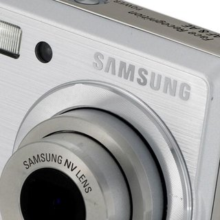 "Samsung to launch ""Hybrid"" camera system"