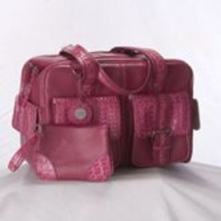 Calumet launches girly range of camera bags