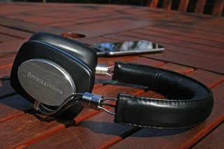 bowers and wilkins p5 headphones image 2