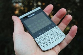 blackberry porsche design p 9981 image 5