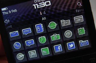 blackberry porsche design p 9981 image 8