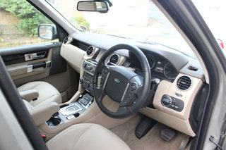 land rover discovery 4 sdv6 hse image 27