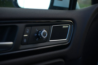 vw touareg 3 0 tdi with dynaudio sound system image 19