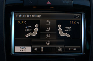 vw touareg 3 0 tdi with dynaudio sound system image 29