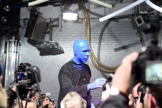nikon d800 low light test with the blue man group image 9