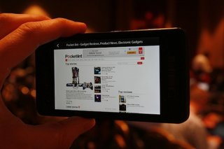blackberry 10 dev alpha pictures and hands on image 2