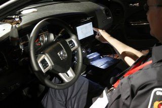 police in canada start using blackberry playbooks in their cars image 4