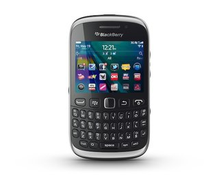 blackberry curve 9320 official on sale in uk soon image 3