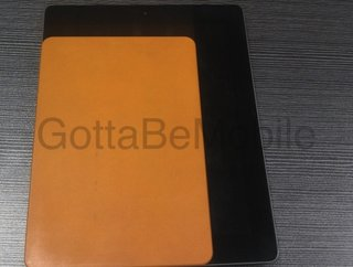 iphone 5 and ipad mini engineering samples snapped in the wild image 2