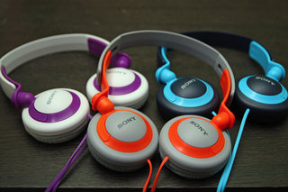 sony extra bass charge lead by mdr xb800 fat beats abound image 6