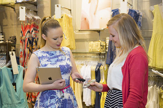 paypal instore app for iphone and android adopted by british fashion chain aurora image 3