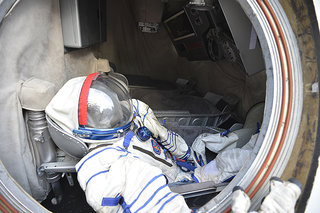 space tourism a reality excalibur almaz spacecraft pictures and hands on image 4