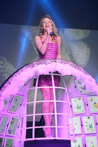 samsung launches galaxy note 10 1 in the uk with the help of kylie minogue team gb and assorted other stars image 2
