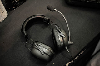 plantronics limited edition gamecom commander headset is geared for the competitive gamer image 5