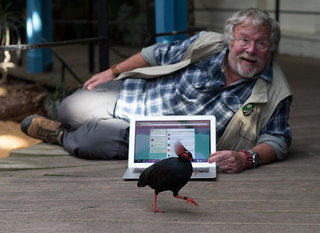 bill oddie translates bird tweets into er tweets image 4