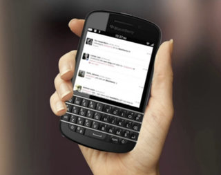 blackberry 10 phones leak meet the new qwerty bb 10 bold image 2