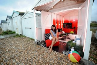 virgin media pimps out beach hut to be gadget lovers dream holiday destination image 2