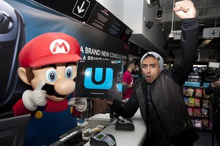 nintendo wii u goes on sale while fans queue in their hundreds image 2