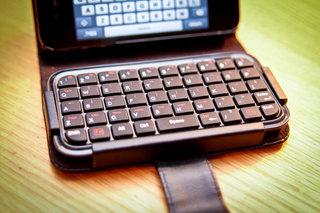 typetop bluetooth mini keyboard case for iphone 4 hands on image 2