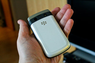 blackberry bold 9780 in white hands on image 6