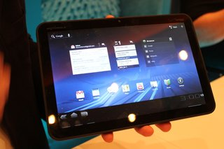 motorola xoom honeycomb tablet hands on image 4