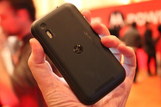 motorola droid bionic hands on image 4