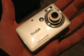 kodak easyshare touch and mini hands on image 11