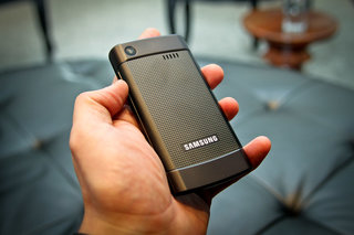 samsung giorgio armani galaxy s hands on image 4