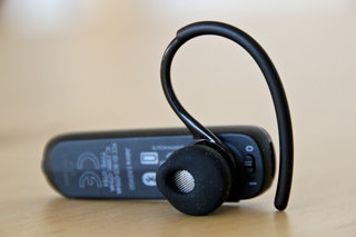 jabra easygo bluetooth headset hands on image 4