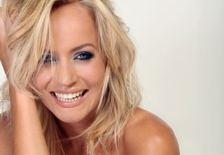 pollyanna woodward talks samsung smart tv image 2