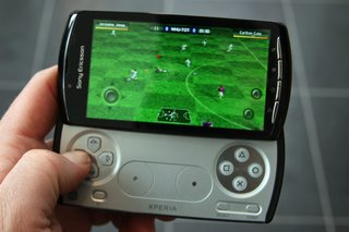 sony ericsson xperia play the games  image 8
