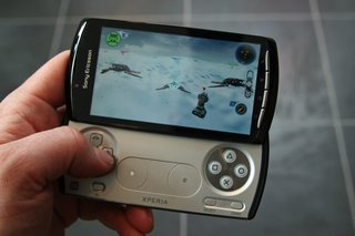 sony ericsson xperia play the games  image 9