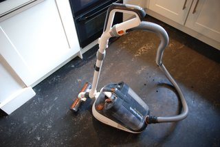 morphy richards vorticity plus bagless vacuum cleaner hands on image 3