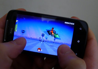 app of the day gridrunner girl review wp7  image 3