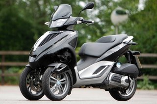 piaggio mp3 yourban lt hands on image 10